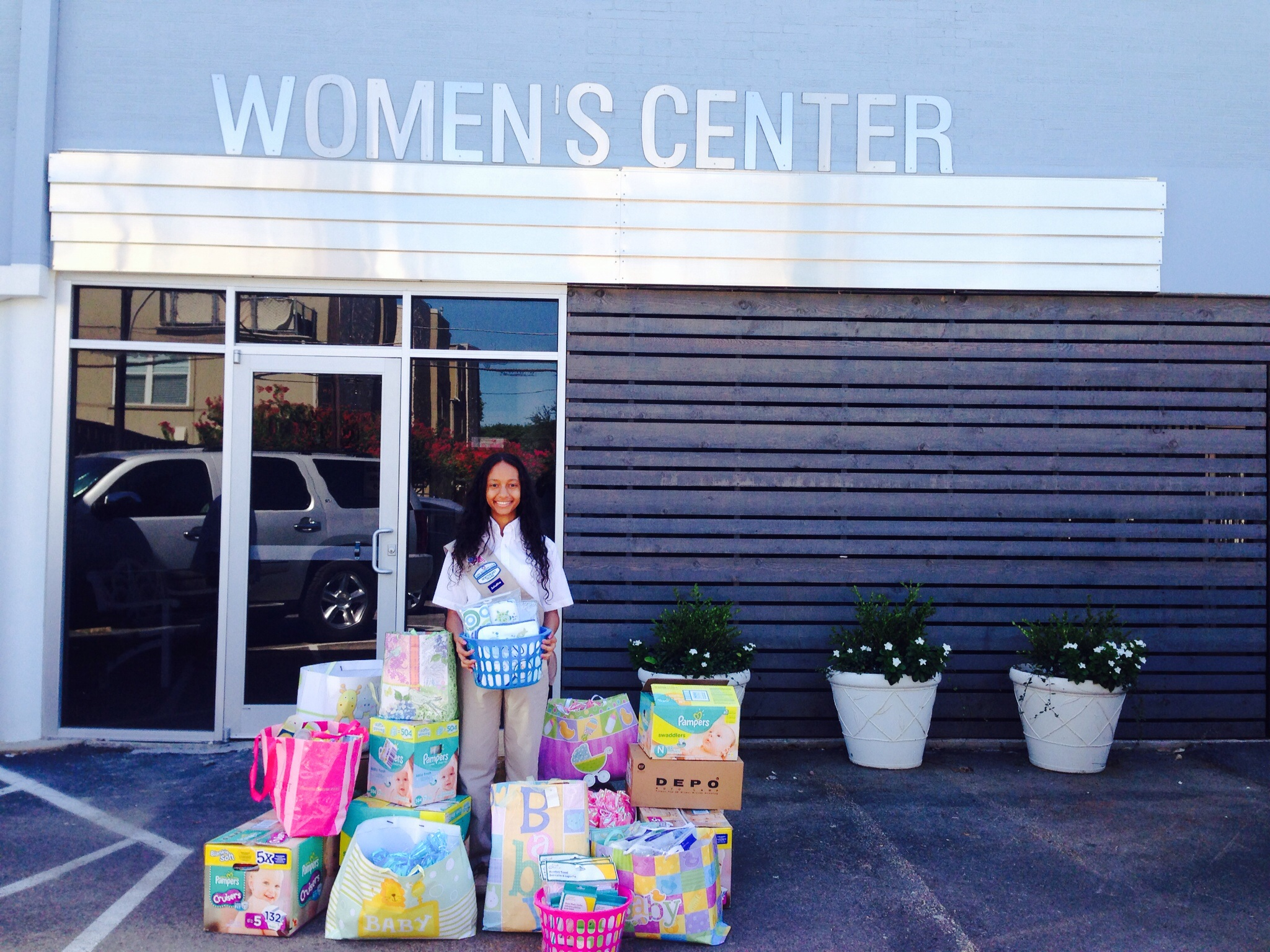 Brandy Hayes delivering donations to White Rose Women's Center