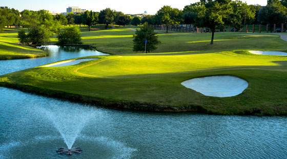 Hackberry-Creek-country-club-Irving-TX-golf-course-fountain-560x310_galleryimage.jpg
